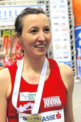 Natalia STEIGER (LMB) Österreichische Staatsmeisterschaften 3.Platz in der Damenwertung mit einer Zeit von 3:02:37 - Salzburgmarathon_2012_206a